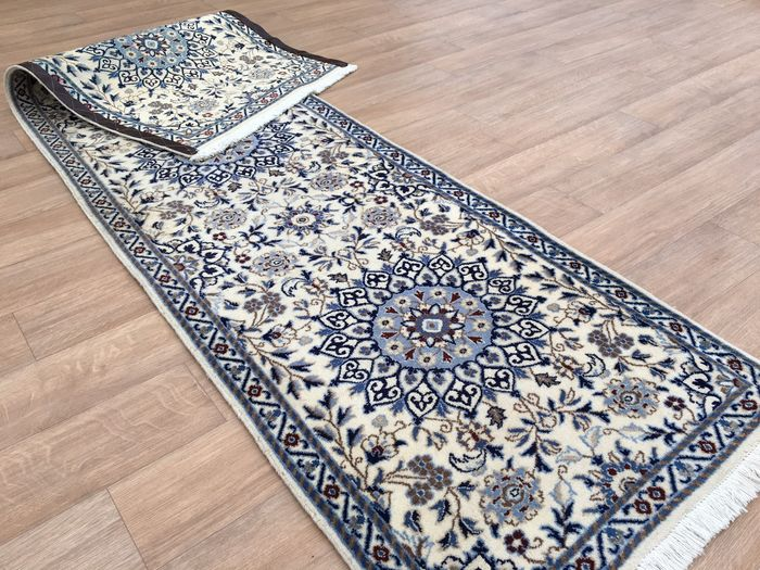 Clean Persian Royal Nain With Silk Rug With Certificate Of