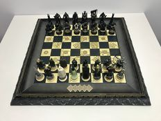 The Lord of the Rings chess set New Line Cinema