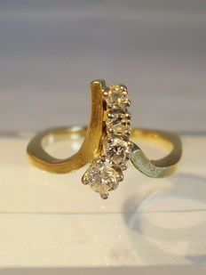 14 kt designer gold ring with 4 diamonds 0.38 ct in total (W, VSI-SI)