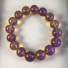 Burma Amber Bracelet, weight: 19.1 grams