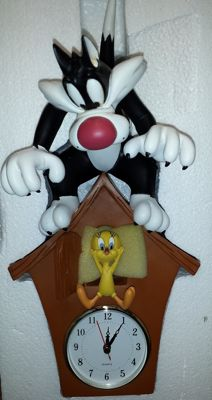 Looney Tunes - Warner Bros - wall clock - 40cm tall - Sylvester and Tweety cuckoo clock