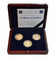"Europe - Coin/medal set ""First Coinage of Euro Countries, 3 Mini States"""
