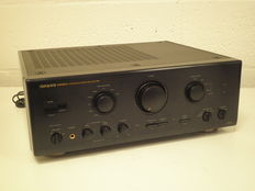 Onkyo Integra integrated stereo Amplifier A-8870
