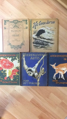 Lot with 5 complete volumes of old picture card albums