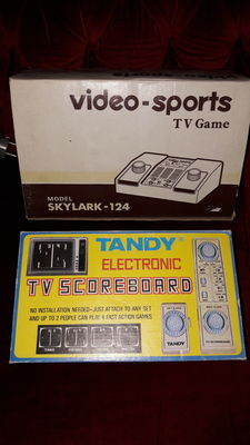 Lot of 2 vintage gameconsoles - Skylark-124 videosport & Tandy Electronic tv scoreboard - both boxed