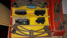 Hornby, England - Spoor 0 - 2 tin locomotives, wagons and rails, 1950s
