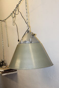 Unkown designer - XXLarge industrial case lamp / bully lamp with shade