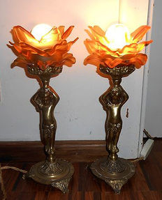 Two very beautiful heavy copper lamps with the original fittings, first half 20th century.