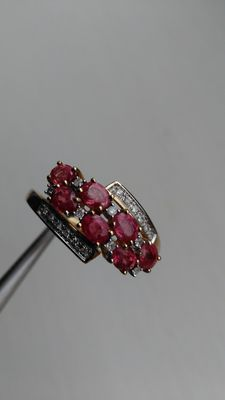 Gold, diamond and pink sapphire ring