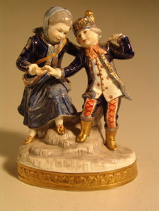 Oldest Volkstedter porcelain manufactory - couple of children in Russian costume