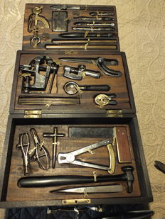Goldsmith's tools, contained in an elegant wooden case - Circa 1870