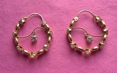 Large 18 kt yellow gold hoops, 13.40 g, set with translucent stones
