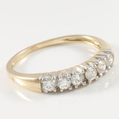 Estate 10kt Yellow Gold Wedding  Band  Set with Cubic Zirconia