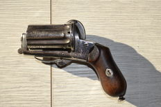 Beautiful pepperbox
