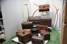 Lot of ten boxes in wood and metal and leather and stone of various sizes and beauty