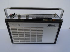 Portable Philips Colette Automatic de Luxe P4D54T from 1966 in top condition