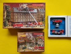 Vollmer/Roco H0 Firedepartment Set - 3728/3785/1344 - Burning House, Burning Revenue Office & 2 Fire Vehicles with Helmet