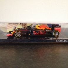 Minichamps - Scale 1/43 - Red Bull RB 12 Max Verstappen 'The first win' Spain 2016