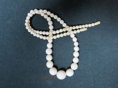 Antique ivory necklace - Total length is 61 cm