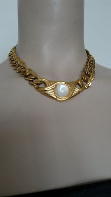 Monet necklace vintage 1970s, metal