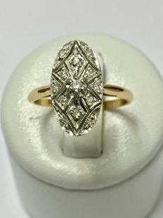 Art Deco ring in gold and platinum and diamonds, no reserve