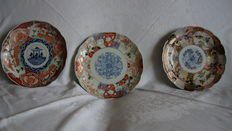 Three porcelain Imari plates – Japan – 19th century