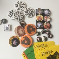 Kate Bush, superb collection of 1970s and 1980s memorabilia, including vintage Kate Bush Club and tour sold buttons