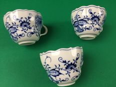 Meissen - 3 Cups onion pattern