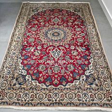 Beautiful Nain Persian carpet with silk - 197 x 128 - With certicicate - Great look!