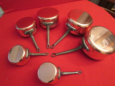 """Set of 5 cooking pots in tin-plated red copper, new, never used, professional quality - French manufacture by """"Les Cuivres de FAUCOGNEY"""" and 1 """"Russian"""" with its ladle in copper."""