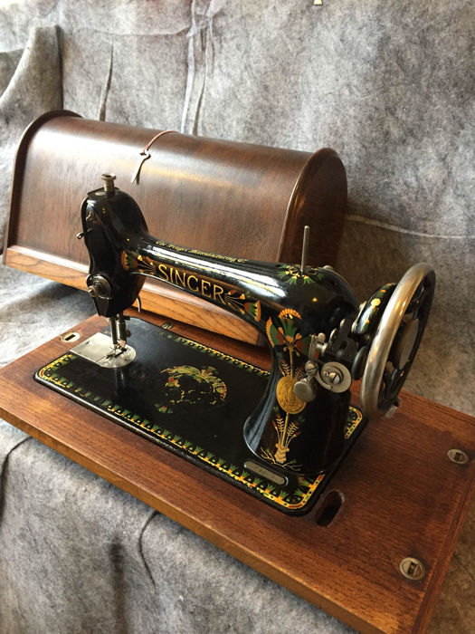 Great Antique Singer Sewing Machine With Lotus Decoration England Awesome Lotus Singer Sewing Machine
