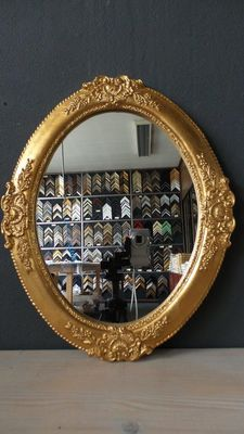 Venetian oval mirror with ornament - hand-gilded - gold