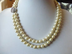 Double strand pearl necklace - Length: 42/46 cm **From 1950s/'60s **