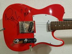 Crescent Telecaster signed by Roger Waters 'Pink Floyd' with COA of PSA/DNA