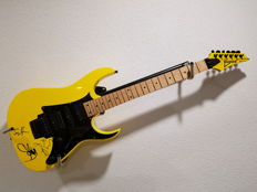Ibanez RG350M signed by Aerosmith, 3 bandmembers: Steven Tyler, Joe Perry and Joey Kramer
