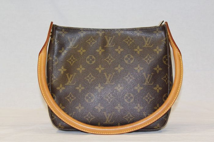 Louis Vuitton – Looping MM Monogram