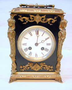 Table clock with chromed decorations. Brand: Breveté – 1st half of the 20th century