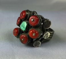 Ethnic Vintage Silver Ring with Coral and Turquoise - 900/1000.