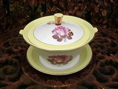Caprice soup tureen with rose motifs