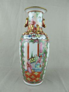 Hand-painted Canton vase - China - Late 20th century