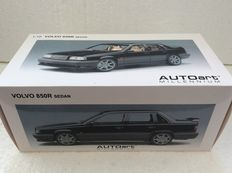 AUTOart Milennium - Scale 1/18 - 1996 Volvo 850 R Sedan in black