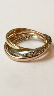 Tri-colour ring made of gold consisting of three intertwined rings with 20 diamonds set in white gold