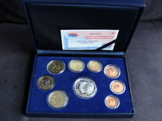 Spain - Year pack 2002 including silver 12 Euros