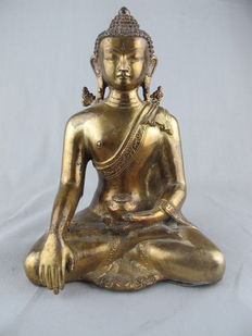 Very refined gold-plated bronze Buddha - Nepal - Late 20th century