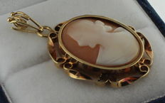 14 kt gold pendant with cameo