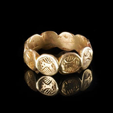 Medieval gilded ring with engraved bezels - 19,6 mm