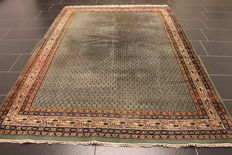 Beautiful hand-knotted oriental carpet, Sarough Mir, 172 x 240 cm, made in India at the end of the 20th century