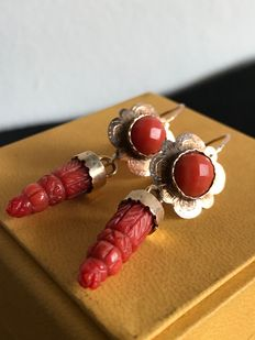 19th century Bourbon earrings, in gold and Sciacca coral.