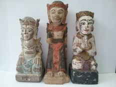 3 polychrome temple statues, wood carving - Bali - Indonesia
