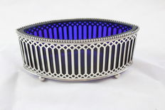 Silver bon bon dish with blue inlay, the Netherlands